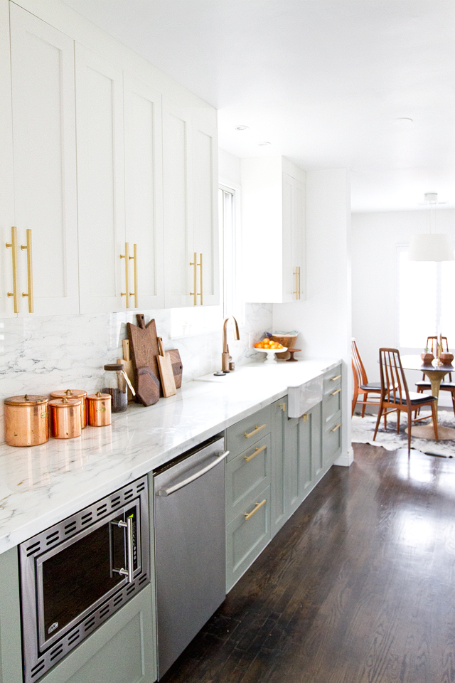 Kitchen inspiration - Kansas City life, home, and style blogger Megan Wilson shares a roundup of pretty kitchens to inspire you when building your own home, remodeling, or just to swoon over! @shadylaneblog | www.lifeonshadylane.com