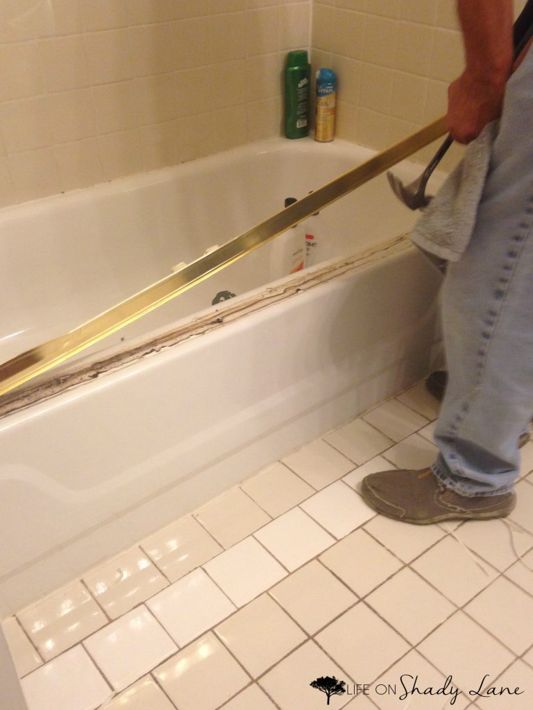 How to (easily!) remove sliding shower doors - via Life on Shady Lane blog
