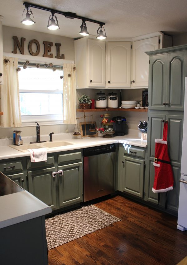 Traditional Farmhouse Christmas Kitchen
