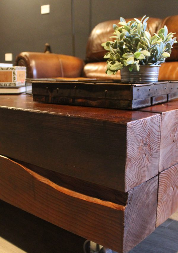 DIY Rustic Farmhouse  Coffee Table