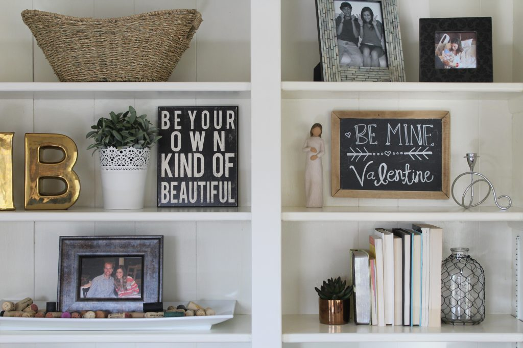 Spring Bookshelf Makeover via Life on Shady Lane blog