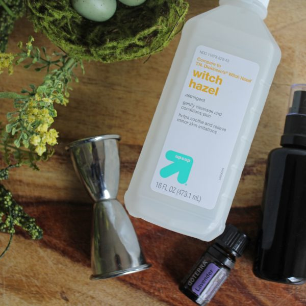 DIY Lavender Linen Spray via Life on Shady Lane blog