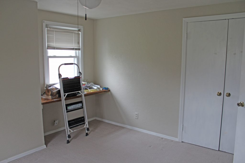 Henry's Bedroom: New paint and clean carpet!