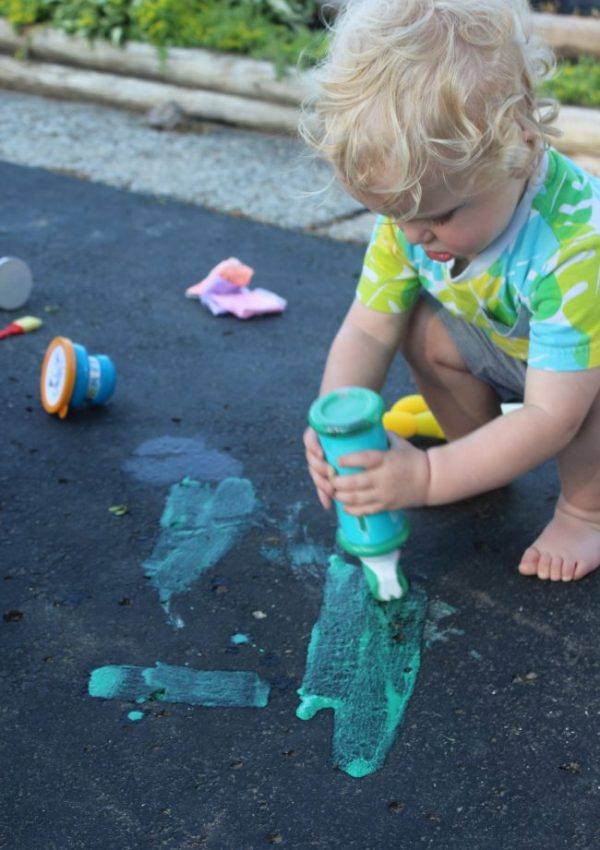 Fun Summer Activities to Keep your Toddler Busy!