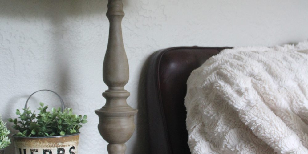 DIY Wood Look Lamp Makeover, perfect for adding a little farmhouse vibe to your home!