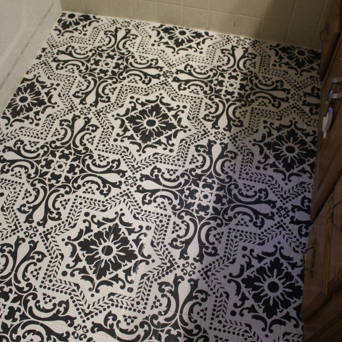 DIY: Black and White Stenciled Bathroom Floor