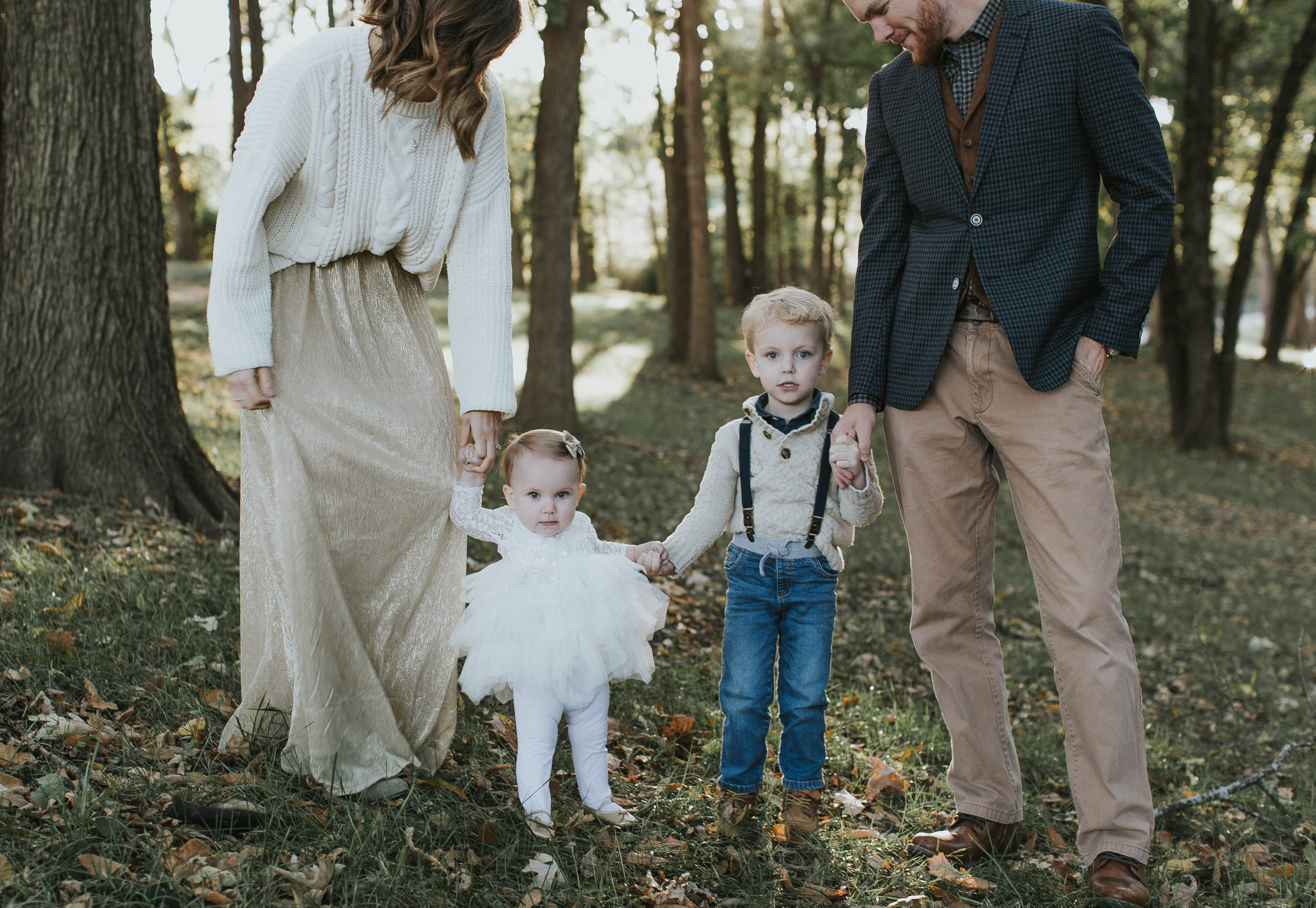 Holiday Family Photo Outfit Ideas , Life on Shady Lane