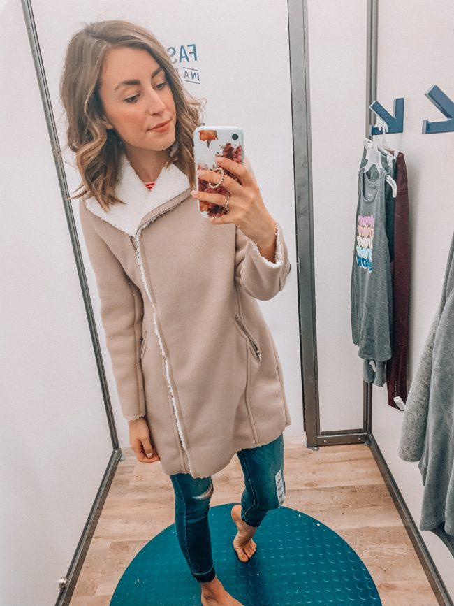 Valentine's Day outfit | Kansas City life, home, and style blogger Megan Wilson shares an Old Navy try on session from January 2019 | #casualstyle #winterfashion #valentinesday
