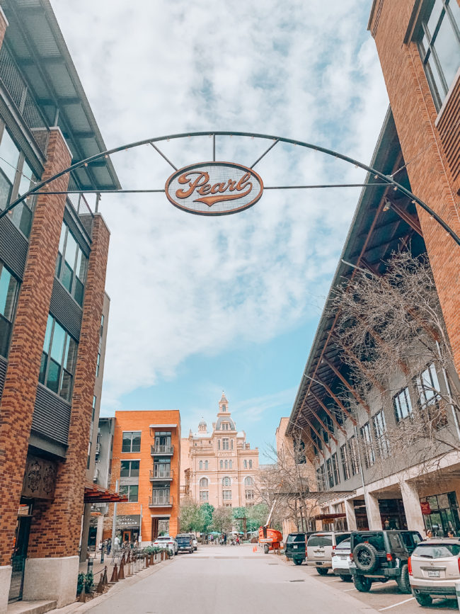 Travel guide to San Antonio, Texas (downloadable PDF!) | Where we stayed, ate, drank, and played during a spring trip to San Antonio, Texas! | Kansas City life, home, and style blogger Megan Wilson shares her travel guide to San Antonio | lifeonshadylane.com // @shadylaneblog on IG