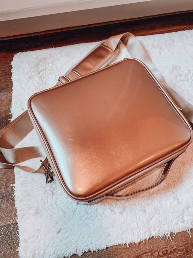 Travel makeup case | affordable casual summer fashion || Kansas City life, home, and style blogger Megan Wilson shares her Amazon Finds - June | Affordable cute style that's fun and won't break the bank! #amazon #amazonfashion #amazonclothes #amazonfinds