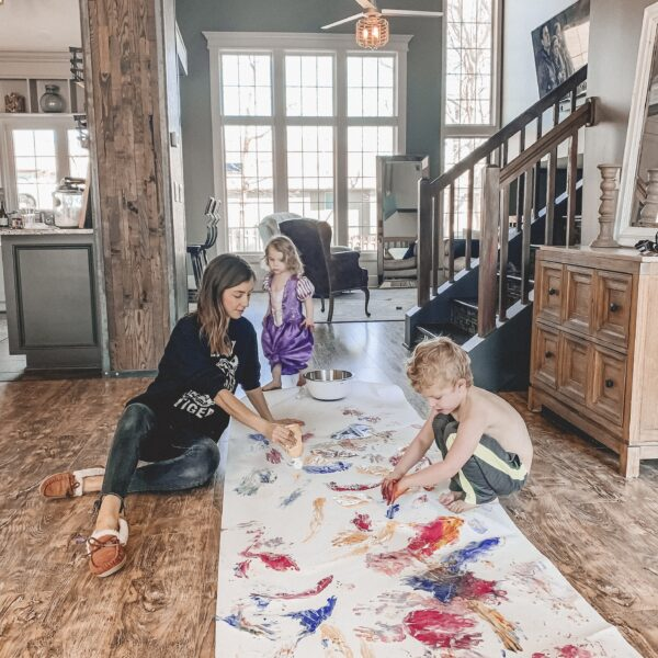 10 activities to do with your young kids while you're at home