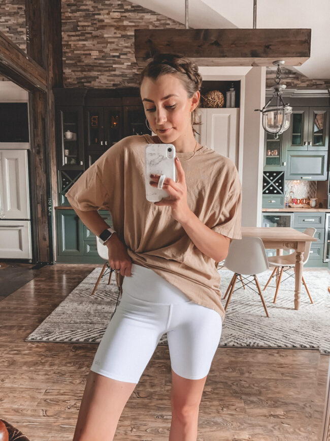 White bike shorts and tan oversized tee shirt outfit || 5 Bike shorts outfit ideas || I compared 5 different pairs! - I reviewed several pairs of bike shorts to compare and contrast + a Bike shorts outfit or two! How to wear biker shorts || Kansas City blogger