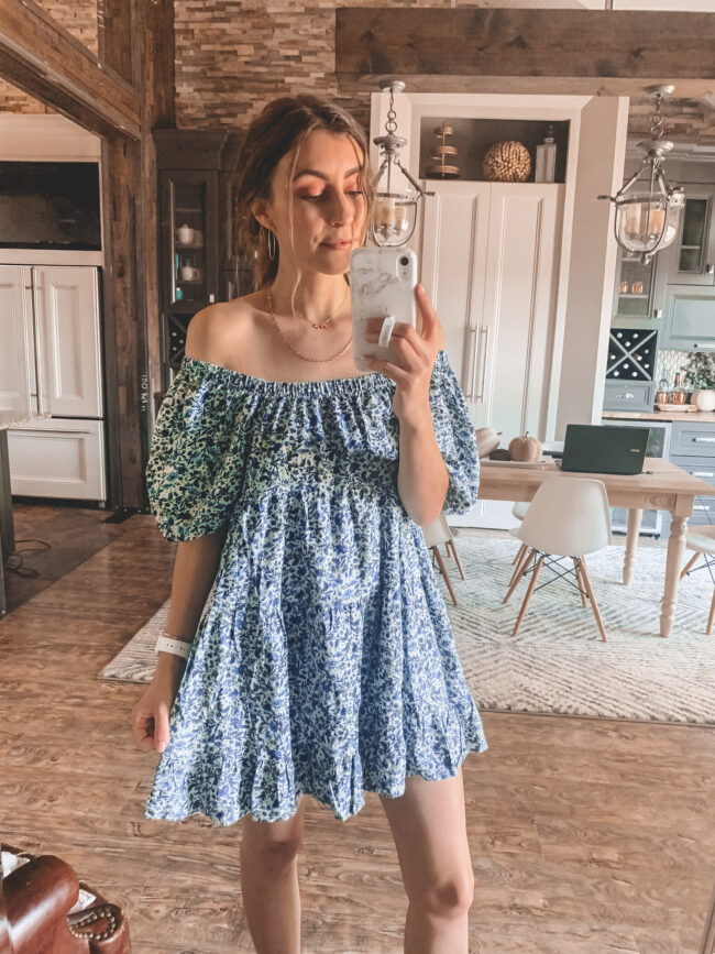 Blue puff sleeve fall dress | Fall dresses for 2020 - all from Target and very affordable! Perfect for wearing with fall booties or sneakers. Fall outfit ideas. #falloutfits
